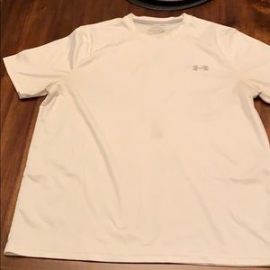 Under Armour T Shirt Large